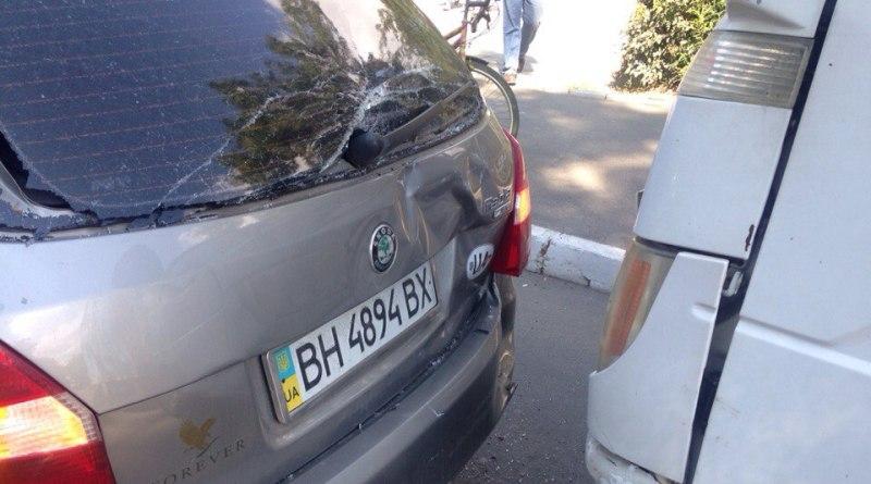 """Ir5CEEpZYa0 В Измаиле произошло еще одно ДТП из-за """"замечтавшегося"""" водителя"""