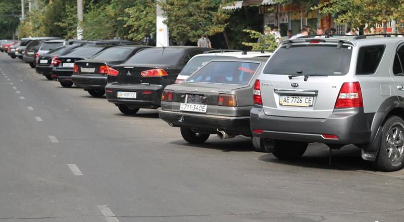 a12-800x440 В Сеть выложили фото элитных автомобилей будущих прокуроров Одесской области