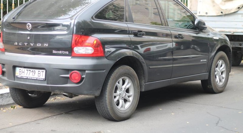a15-800x440 В Сеть выложили фото элитных автомобилей будущих прокуроров Одесской области