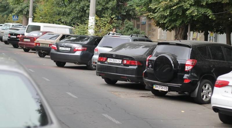 a7-800x440 В Сеть выложили фото элитных автомобилей будущих прокуроров Одесской области