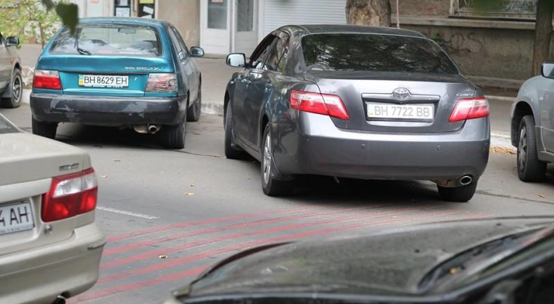 a9-800x440 В Сеть выложили фото элитных автомобилей будущих прокуроров Одесской области
