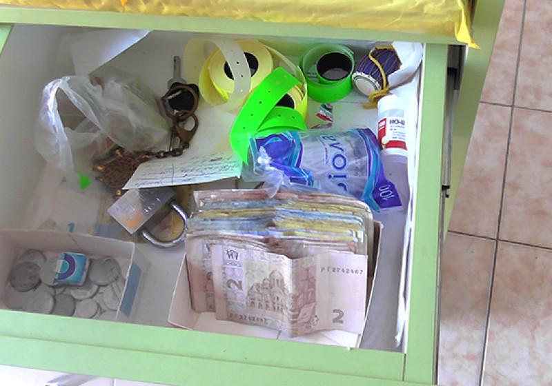 apteka-2-800x560 В Затоке накрыли сеть аптек, незаконно реализовывавших лекарства (фото)