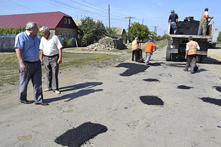 bg4-448x299 Болградские дороги ремонтируются за счет сбора средств местного населения