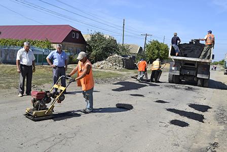 bg5-448x299 Болградские дороги ремонтируются за счет сбора средств местного населения
