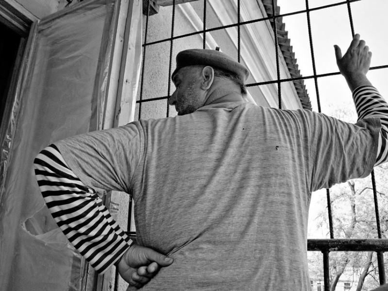 f12-800x600 Измаильский фотограф всколыхнул мировую общественность своми работами о психиатрической больнице