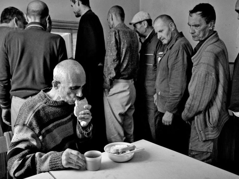 f13-800x600 Измаильский фотограф всколыхнул мировую общественность своми работами о психиатрической больнице