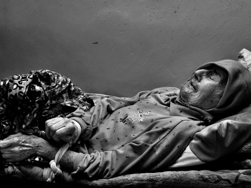 f14-800x600 Измаильский фотограф всколыхнул мировую общественность своми работами о психиатрической больнице