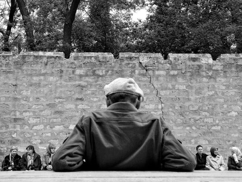 f16-800x600 Измаильский фотограф всколыхнул мировую общественность своми работами о психиатрической больнице