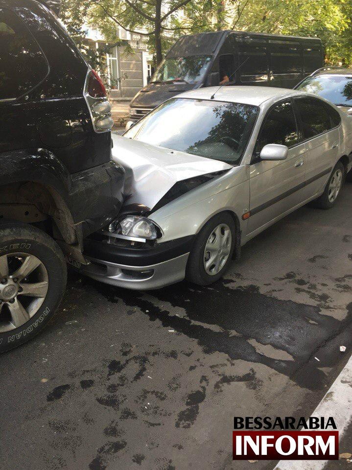 fV6JgqU8ETg ДТП в Измаиле: из-за несоблюдения дистанции пострадало несколько автомобилей