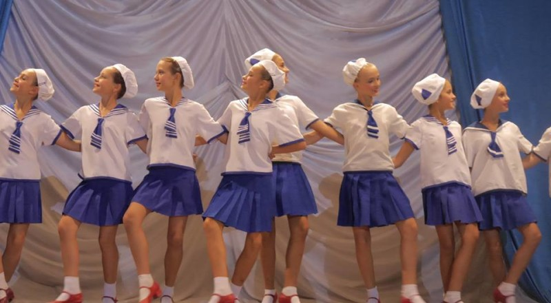 Измаил: портовиков и сотрудников УДП развлекали столичные артисты (фото, видео)
