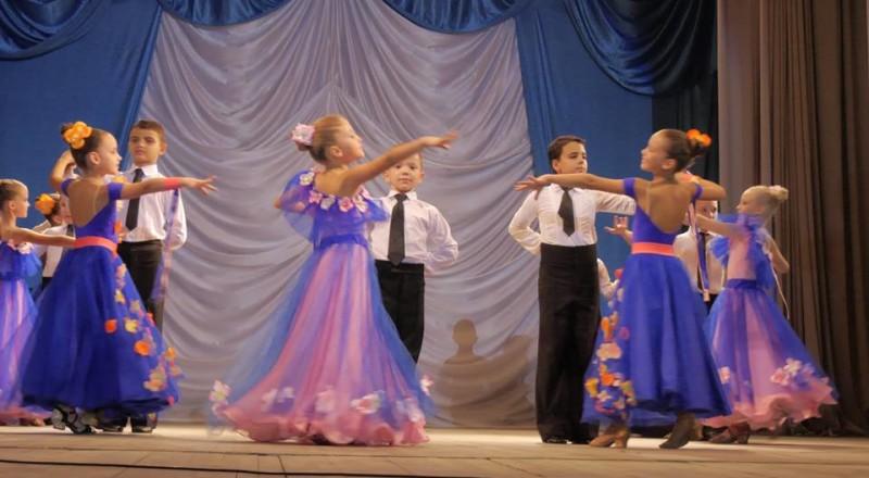 kontsert-4-800x440 Измаил: портовиков и сотрудников УДП развлекали столичные артисты (фото, видео)