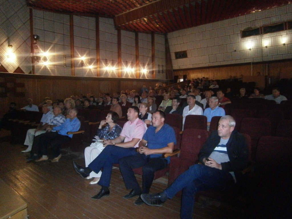 sarata-2-1024x768 В Сарате представили общественности кандидата на пост главы РГА