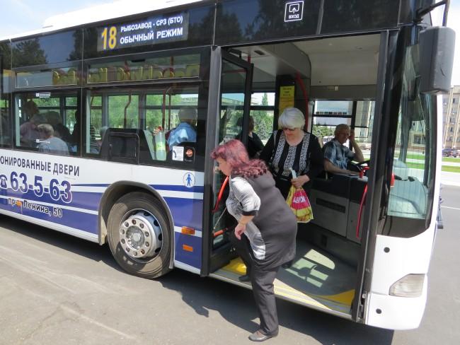 119 На улицах Измаила появились три новых автобуса (фото)