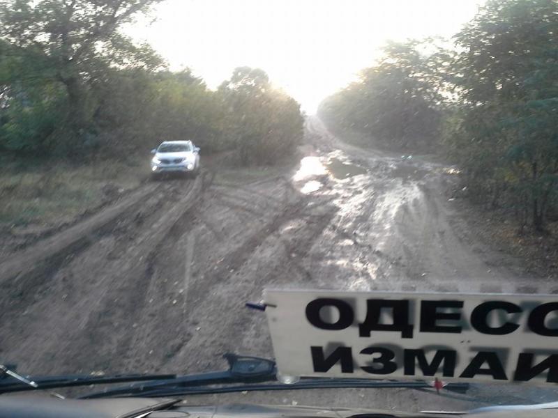 12108227_434914470033375_3271584985986238454_n Из-за перекрытия трассы Одесса-Рени жители Бессарабии вынуждены ехать в Одессу по полям (фото)