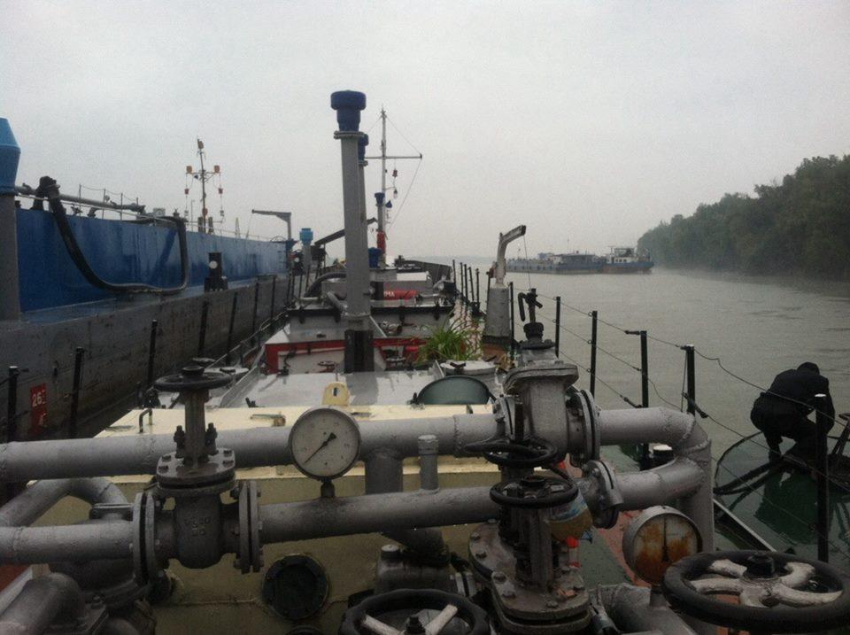 На Измаильской нефтебазе нашли 570 тонн левого топлива (ФОТО)
