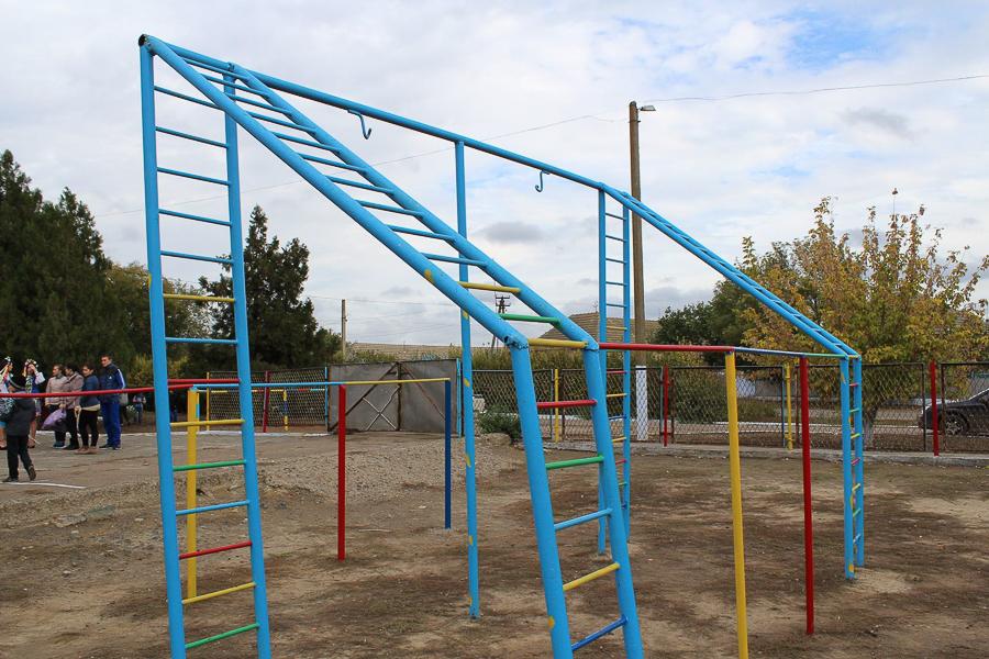 Измаилький р-н: в Кирничках появилась новая детская спортивная площадка (фото)