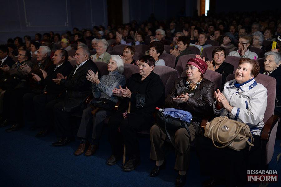 18-900x600 Международный день пожилых людей отметили в Измаиле праздничным концертом (фото)