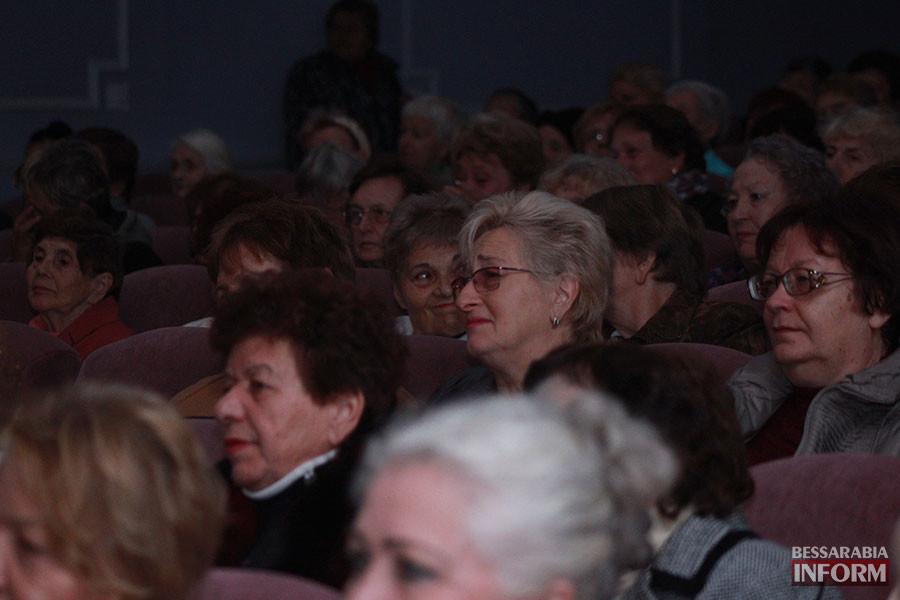 2-900x600 Международный день пожилых людей отметили в Измаиле праздничным концертом (фото)
