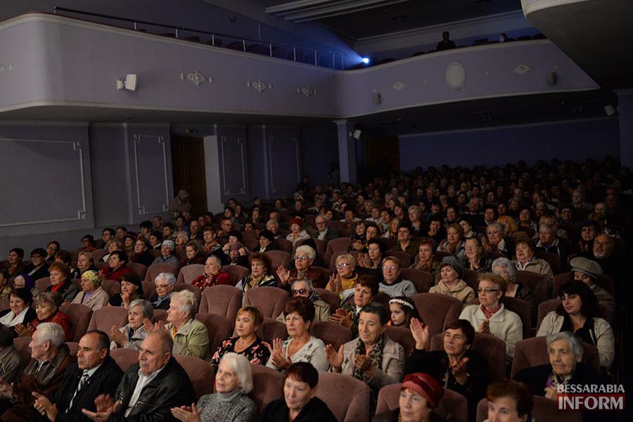 20-900x600 Международный день пожилых людей отметили в Измаиле праздничным концертом (фото)