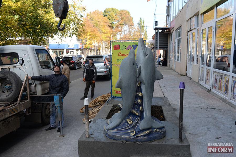 611 В Измаиле появилась статуя дельфина (ФОТО)