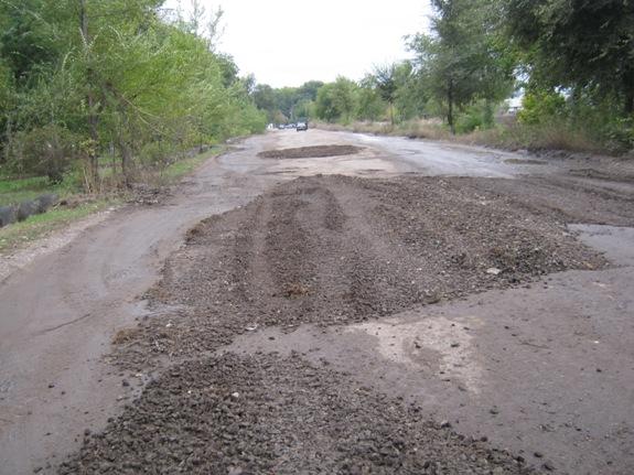 Особенности ремонта дорог в Арцизе (фото)