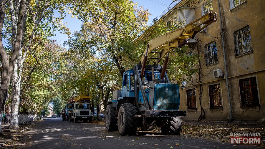 Miniatyura9 В Измаиле продолжается реконструкция линий электропередач (фото)