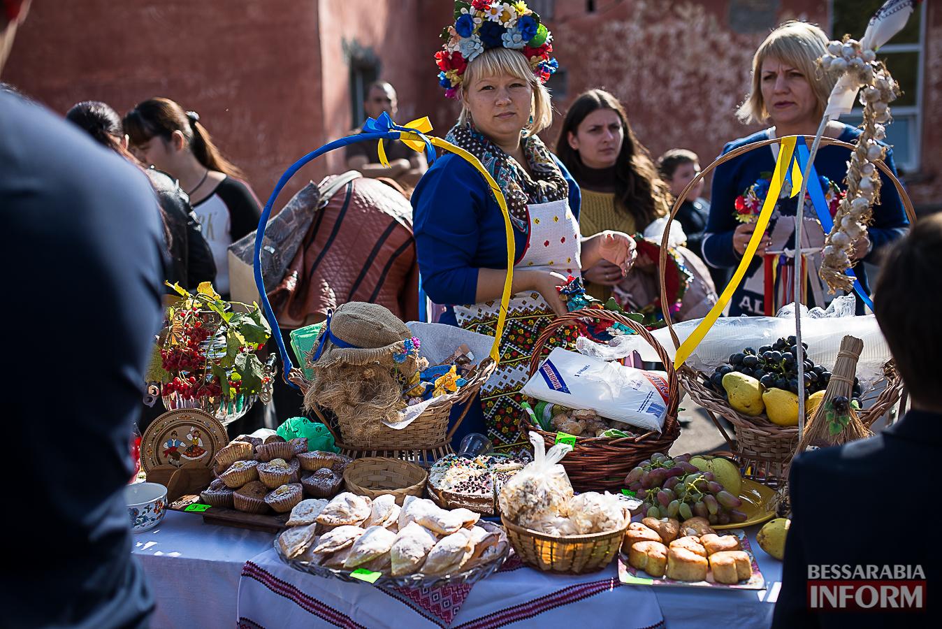 SME_0031 Измаил: в ОШ №16 прошла благотворительная сладкая ярмарка (фото)