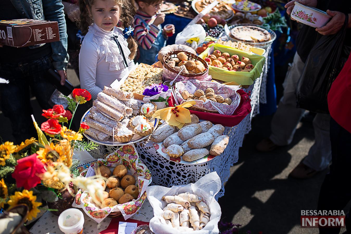 SME_0036 Измаил: в ОШ №16 прошла благотворительная сладкая ярмарка (фото)