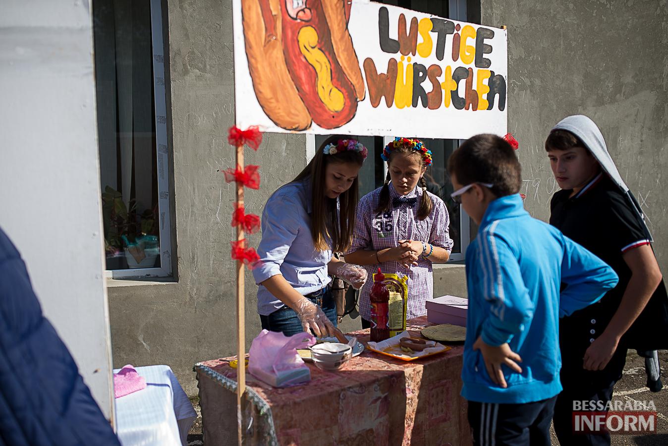 SME_0050 Измаил: в ОШ №16 прошла благотворительная сладкая ярмарка (фото)