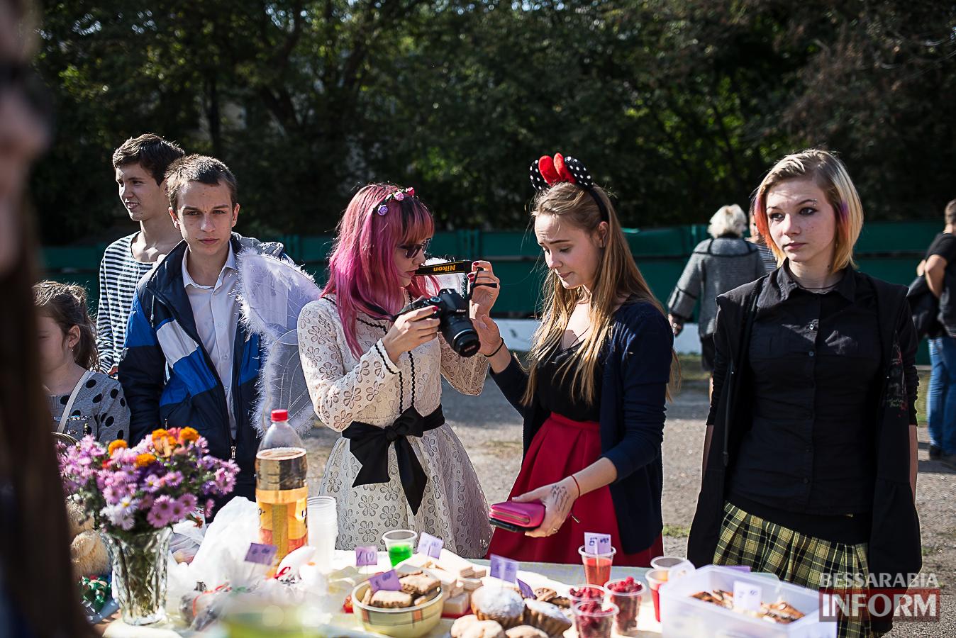 SME_0058 Измаил: в ОШ №16 прошла благотворительная сладкая ярмарка (фото)