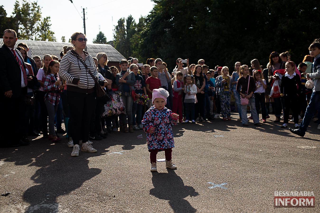 SME_00831 Измаил: в ОШ №16 прошла благотворительная сладкая ярмарка (фото)