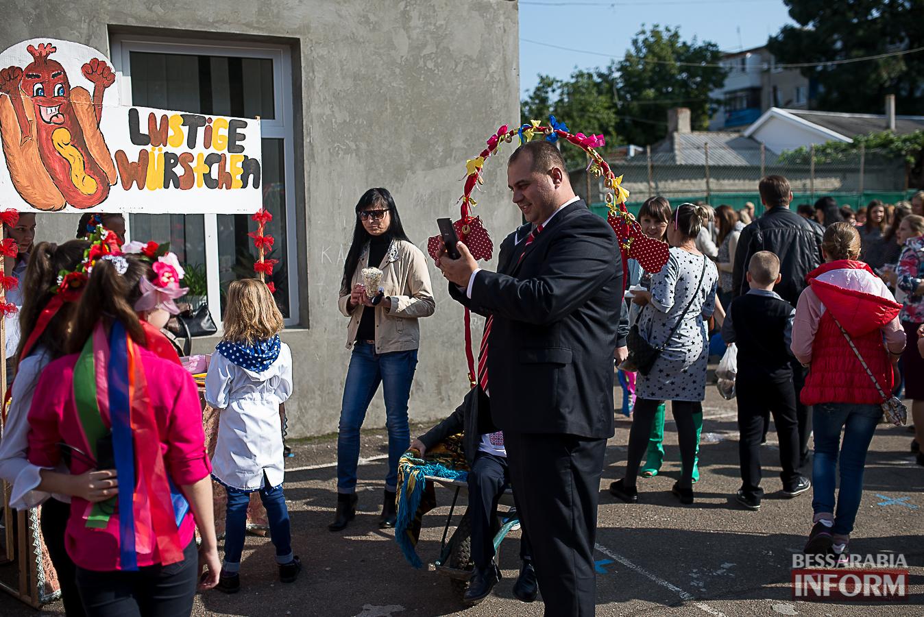 SME_0100 Измаил: в ОШ №16 прошла благотворительная сладкая ярмарка (фото)