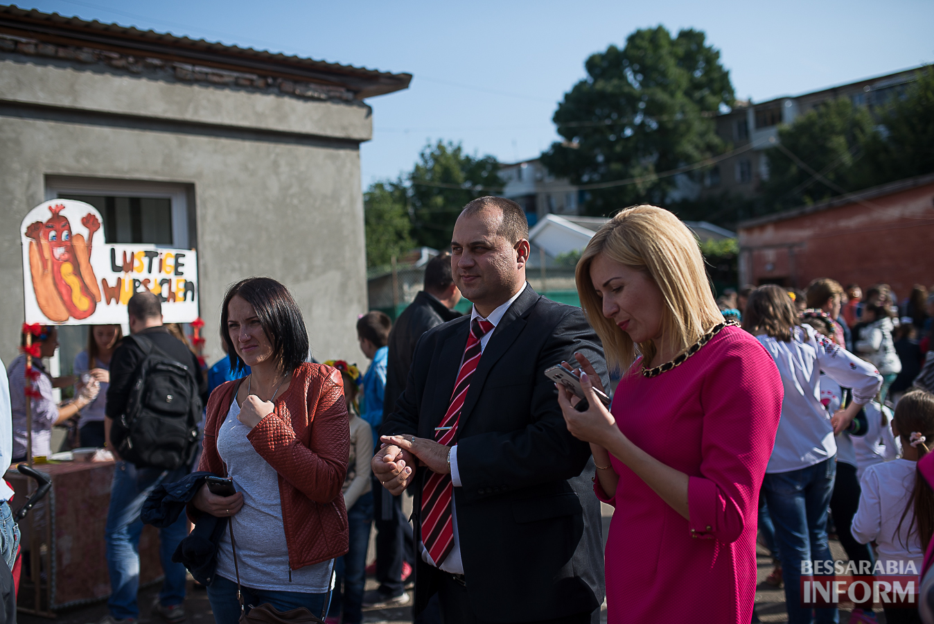 SME_01141 Измаил: в ОШ №16 прошла благотворительная сладкая ярмарка (фото)