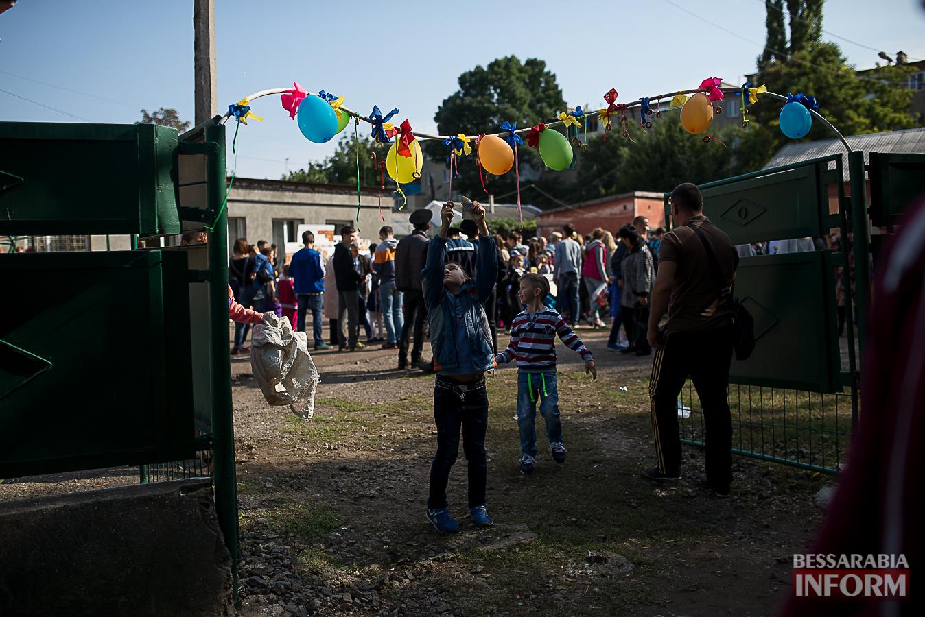 SME_0127 Измаил: в ОШ №16 прошла благотворительная сладкая ярмарка (фото)
