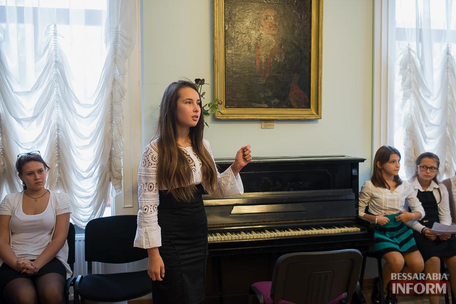 SME_1897 Музыка и поэтическое искусство родного Измаила в музее А.В. Суворова (фото)