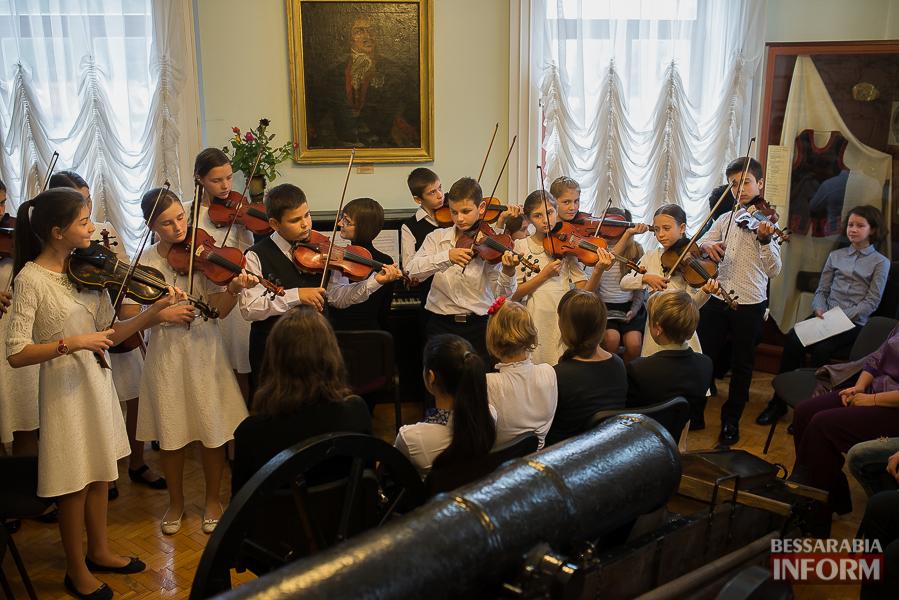 SME_1901 Музыка и поэтическое искусство родного Измаила в музее А.В. Суворова (фото)