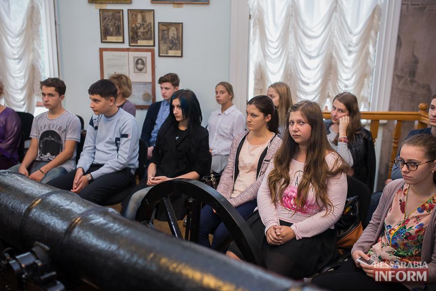SME_1909 Музыка и поэтическое искусство родного Измаила в музее А.В. Суворова (фото)