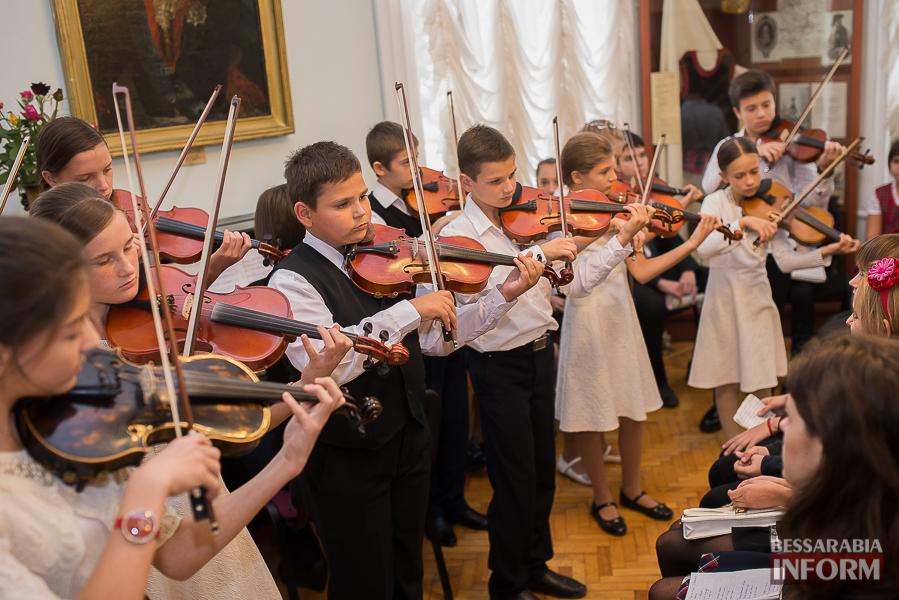 SME_1912 Музыка и поэтическое искусство родного Измаила в музее А.В. Суворова (фото)