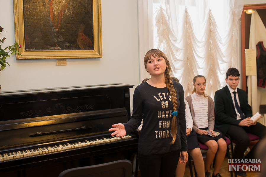 SME_1915 Музыка и поэтическое искусство родного Измаила в музее А.В. Суворова (фото)