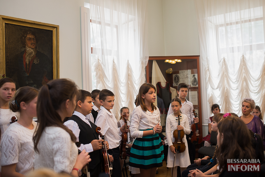SME_1937 Музыка и поэтическое искусство родного Измаила в музее А.В. Суворова (фото)