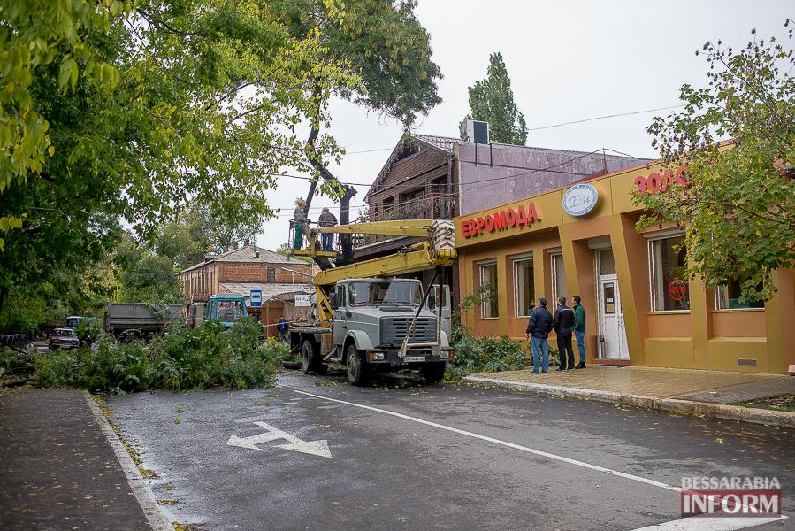 В Измаиле продолжают устранять последствия непогоды (фото)