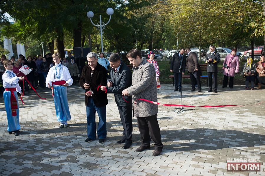 SME_5127 В Измаиле прошло открытие центрального фонтана (фото)
