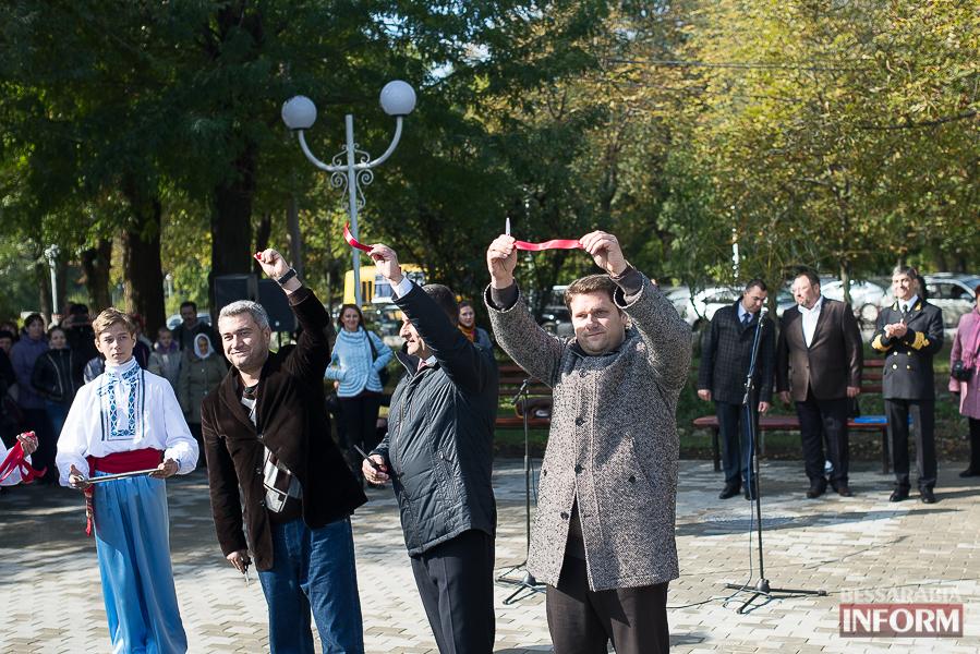 SME_5133 В Измаиле прошло открытие центрального фонтана (фото)
