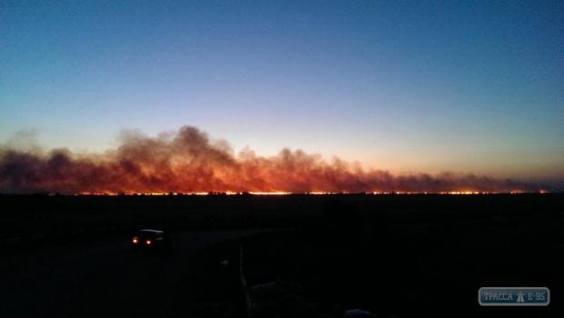 В Белгород-Днестровском районе масштабный пожар