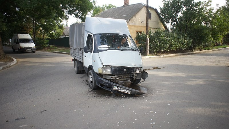 ДТП: в Измаиле не поделили дорогу BMW и Газель (фото)