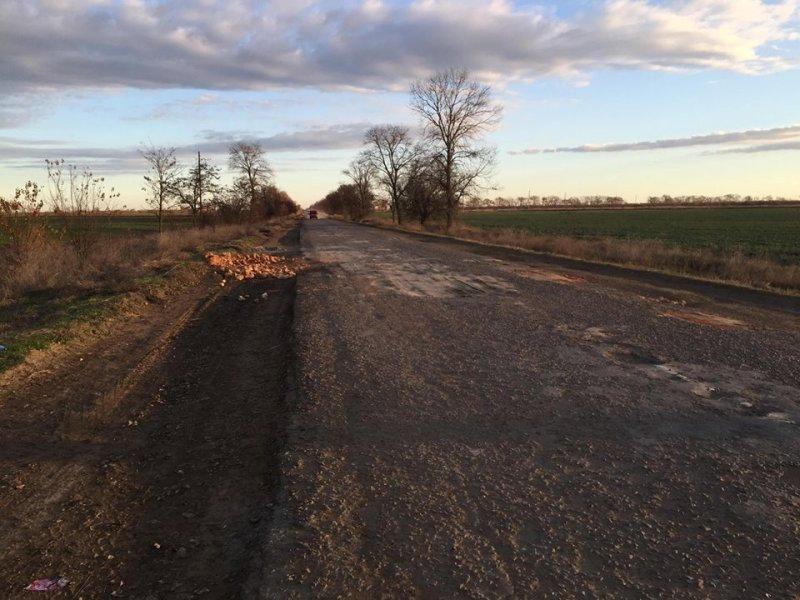 12250156_913624992026840_8306314250771218075_n Предприниматели Килийского р-на за свой счет ремонтируют дороги