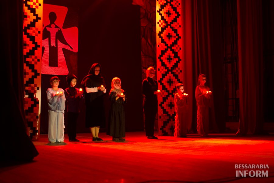 В Измаиле горели свечи памяти жертв Голодомора (ФОТО)