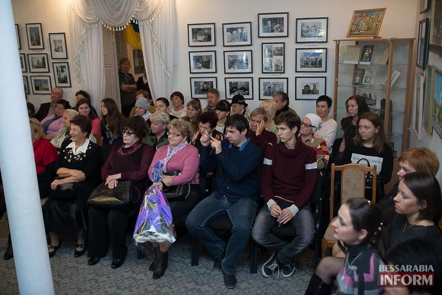 49 Измаильский поэт Леонид Андреев презентовал новую книгу