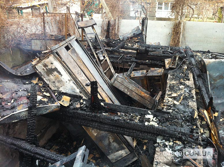 5657fd820316a В Затоке пожар полностью уничтожил здание аптеки (фото)