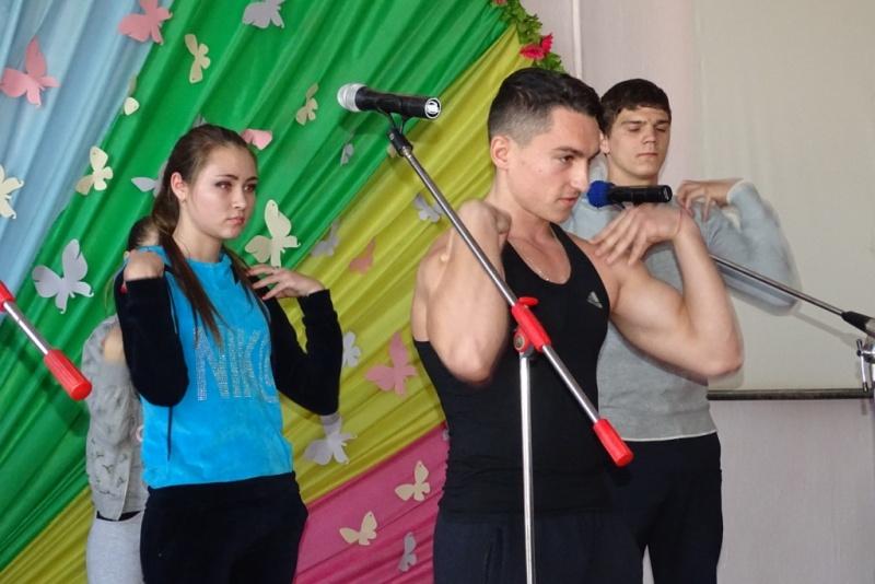 DSC08432 Первокурсники педфакультета ИГГУ представили свои таланты